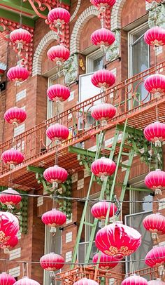 Bright & Beautiful Chinatown ~ San Francisco, CA.   Goal: go to Chinatown during  Chinese New Year.