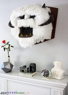 Funny and scary at the same time!; Wall Mounted Wampa Head DIY