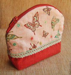 Купить Косметичка Цветы и бабочки - косметичка ручной работы, косметичка из ткани, косметичка, косметичка в подарок