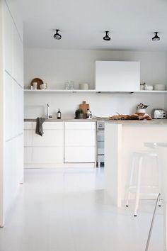 Conheça nossa incrível seleção de fotos com 60 cozinhas brancas decoradas para você se inspirar. Confira!