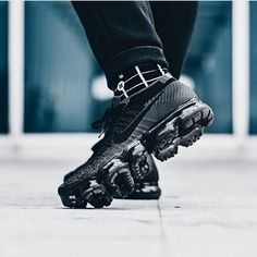 That sole though! The Nike Air VaporMax looks so comfy! We are big fans of the all black colorway - how about you? by @joguedez #sneakersmag #nike #nikesportswear #vapormax #nikeair Nike Trainers, Sneakers Nike, Nike Shoes, Adidas, Puma, Shoe Game, Designer Shoes, Nike Air Max, Sports Footwear