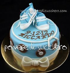 Christening cake with Converse shoes for baby boy Cake by PolverediZucchero Baby Boy Cakes, Cakes For Boys, Baby Shower Cakes, Dedication Cake, Christening Cake Boy, Crumpets, Sugar Art, Baby Party, Cake Cookies