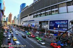 To all the shopaholics , Bangkok is a shopping paradise. Know more about Bangkok shopping. List of places for shopping in Bangkok. Bali Honeymoon Packages, Bali Tour Packages, Bangkok Shopping, Shopping Shopping, Argentina Culture, Thai Travel, Visit Argentina, Visit Maldives, Romantic Honeymoon
