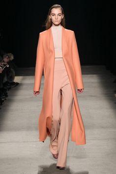 Narciso Rodriguez – New York Fashion Week 2015 – die Shows sind in vollem Gange. flair zeigt Ihnen die besten Looks der besten Kollektionen – Stay tuned...