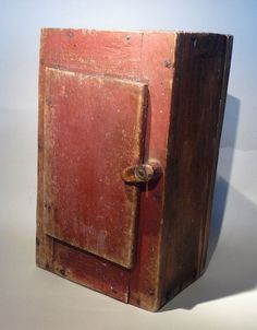 Antiques Dealers' Association of American, Guaranteed Antiques and Fine Art. Primitive Furniture, Country Furniture, Antique Furniture, Painted Cupboards, Wall Cupboards, Corner Cabinets, Living Room Decor Country, Country Decor, Primitive Kunst