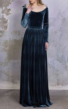 Cheap dress up clothes kids, Buy Quality dress point directly from China dress blouses plus size Suppliers: Velvet Dress Floor Length Women 2017 Spring Big Size Long Sleeve Maxi Elegant Bodycon Party Dresses Beautiful Gowns, Beautiful Outfits, Pretty Outfits, Pretty Dresses, Dresscode, Evening Dresses, Formal Dresses, Casual Dresses, Afternoon Dresses
