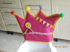 Birthday Chair, Happy Birthday, Kitchen Chair Covers, Learn To Sew, Primary School, In Kindergarten, Diy For Kids, Have Fun, Dinosaur Stuffed Animal