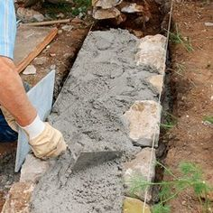 Tutorial: how to put up a stone wall-Tutoriel : comment remonter un mur de pierr. Tutorial: how to put up a stone wall-Tutoriel : comment remonter un mur de pierre layered construction of a low wall