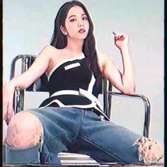 Christopher Evans, Black Pink Songs, Black Pink Kpop, South Korean Girls, Korean Girl Groups, Ella Home, Blackpink Poster, Black Pink Dance Practice, Blackpink Funny