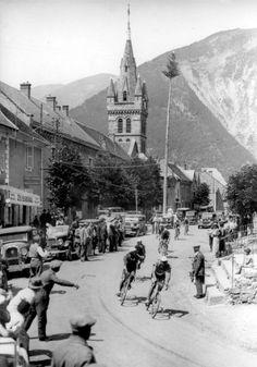 Georges Speicher  runs through Archambault, 1933