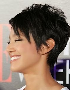 Recommendations regarding amazing looking women's hair. Your own hair is undoubtedly precisely what can define you as a person. To a lot of individuals it is certainly vital to have a fantastic hair do. Hair Hair and beauty. Cute Hairstyles For Short Hair, Short Hair Cuts For Women, Pixie Hairstyles, Short Hair Styles, Pixie Haircuts, Sassy Haircuts, Short Cuts, Pixie Styles, Funky Short Hair