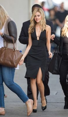 Nicola Peltz at Jimmy Kimmel Live in Hollywood Nicola Peltz, Actrices Sexy, Famous Girls, Stunningly Beautiful, Fashion Lookbook, Beautiful Actresses, In Hollywood, Sexy Outfits, Celebrity Style