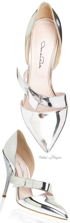 Silver Patent Goat Leather Fauna Strap Pumps by Oscar de la Renta Now Available on Moda Operandi Dream Shoes, Crazy Shoes, Me Too Shoes, Pretty Shoes, Beautiful Shoes, Zapatos Shoes, Shoes Heels, Chic Chic, Shoe Art