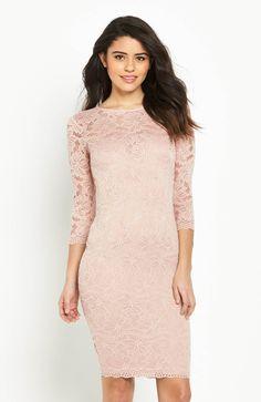 Niezwykle kobieca, koronkowa sukienka marki AX Paris. Fason podkreślający walory sylwetki. 269 zł na http://www.halens.pl/moda-damska-sukienki-sukienki-koronkowe-26193/sukienka-576519?imageId=398516&variantId=576519-0060