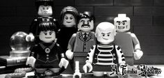 Uma das famílias mais loucas e divertidas do cinema em versão lego. Quem CURTE a Família Addams?  www.nagem.com.br