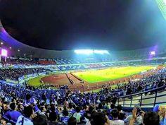 Suasana dalam stadium