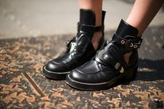 BALENCIAGA : Boots   Sumally (サマリー)