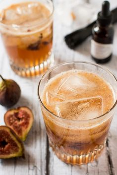Figgy Maple Bourbon Fizz: 1 fresh fig, halved 2 tsp pure maple syrup, the darker the better squeeze fresh lemon juice few dashes vanilla coconut maple bitters, or angostura bitters 3 oz fig-infused bourbon ginger beer