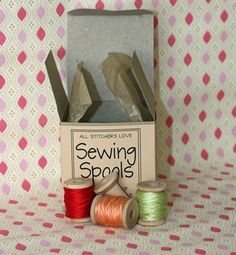 Little Wood (empty) Spools - would be SO FUN to decorate with!!
