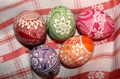 decorated eggs | Steps how to scratch decorated easter eggs
