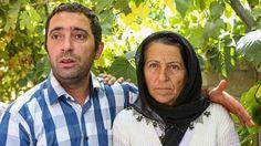 Şehit Annesi PKKya Meydan Okudu:Bin Oğlum Olsa Şehit Vermeye Hazırım  Hakkarinin Dağlıca bölgesinde şehit düşen Konyalı Uzman Çavuş Tuğrul Köseoğlunun annesi PKKya meydan okudu. Acılı Anne; Bin oğlum olsa şehit vermeye hazırım dedi.      Hakkarinin Dağlıca bölgesinde terör örgütü PKKnın saldırısında şehit olan Uzman Çavuş Tuğrul Köseoğlunun annesi Sultan Aydın Şehit annesinin boynu büyük gözleri yaşlı dedirtmeyeceğini belirtti. Dün Ereğli ilçesinde defnedilen oğlunun cenaze töreninde vakur…