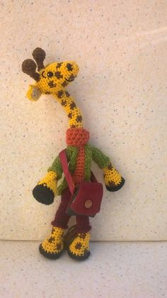 Amigurumi girafe, Mr Girafe, a l'allure cool et sympathique Crochet, Dinosaur Stuffed Animal, Creations, Cool Stuff, Animals, Amigurumi, Amigos, Handmade, Crochet Hooks