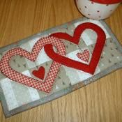 Valentine Hearts Mug Rug Pattern - Quilting and Patchwork Mug Rug Patterns, Quilt Block Patterns, Quilt Blocks, Small Quilts, Mini Quilts, Valentines Mugs, Valentine Hearts, Heart Quilt Pattern, Quilted Gifts