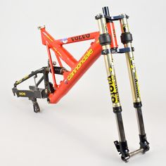 Myles Rockwell used Volvo Cannondale Super V DH.