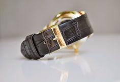 Comanda pana la 04 iulie si la achizitionarea oricaruia din ceasurile de mai jos, in afara de cureaua originala, primesti cadou: - o curea din piele naturala (pe care o poti comanda spre realizare cu indicatiile dorite) si transport gratuit!    Pret: 99 RON. Pentru mai multe detalii, scrie-mi la cureledeceas@gmail.com, pe Whatsapp sau suna-ma la 0737 472 022. Watches, Omega Watch, Accessories, Fashion, Wrist Watches, Wristwatches, Fashion Styles, Tag Watches, Watch
