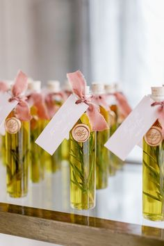Wedding Favors And Gifts, Creative Wedding Favors, Inexpensive Wedding Favors, Gift Table Wedding, Wedding Tables, Olive Oil Favors, Olive Oil Wedding Favors, Diy Wedding Backdrop, Fairytale Weddings