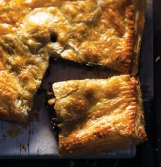 Beef-and-mushroom pie