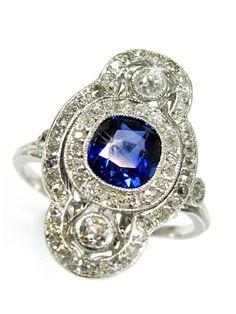 An Art Deco Sapphire and Diamond Ring circa 1920, Platinum (hva)