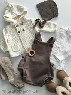 Baby clothes should be selected according to what? How to wash baby clothes? What should be considered when choosing baby clothes in shopping? Baby clothes should be selected according to … Baby Outfits, Baby Boy Fashion, Fashion Kids, Trendy Fashion, Fashion Games, Fashion Vintage, Spring Fashion, Fashion Trends, Cute Baby Clothes