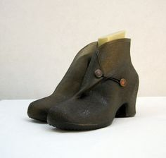 Vintage Galoshes 40s 50s Shoe Rubbers Covers Rain by voguevintage, $24.00