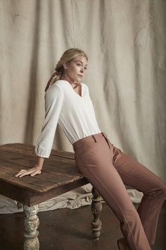 When comfy at home meets stylish at home. The Secretly Shapes Regular Fit Straight Leg Pant features include wrinkle-resistant twill and a patented, hidden panel that lifts, shapes and slims all while providing ultimate comfort, no matter what the day brings. Fall Styles, Straight Leg Pants, Black Fabric, Perfect Fit, Autumn Fashion, Pants For Women, Normcore, Comfy, Slim