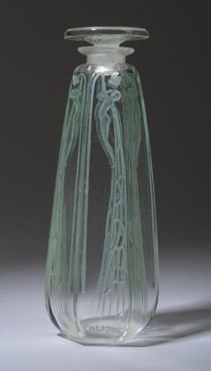 "R. LALIQUE ""Cyclamen"" perfume bottle for Coty 1909"