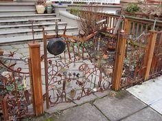 Metal Garden Gates, Metal Gates, Metal Yard Art, Iron Gates, Garden Crafts, Garden Projects, Garden Art, Garden Design, Diy Fence