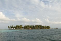 Tobacco Caye, Belize. Image by Chris Stephens