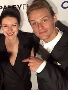 "omgturtlesoup: ""jamesandclairefraser: "" janesmith0410: "" dillon7fan: "" THEY'RE PRETTY AWESOM SAMCAIT ❤️❤️ "" I love how cute they look and Cait's beautiful smile, but is Sam pointing at Cait's..."