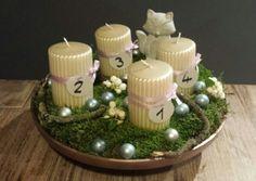 Weihnachten, Adventskranz, Schale, Moos, Kerzen, Kugeln, Holz, Beeren, Fuchs