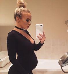 Dinner for Paris' bday ❤️ Cute Maternity Outfits, Stylish Maternity, Maternity Pictures, Maternity Wear, Maternity Fashion, Pregnancy Goals, Pregnancy Outfits, Pregnancy Photos, Pregnancy Style