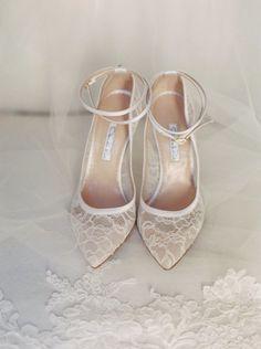 Pantofi romantici cu dantela