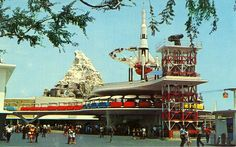 DIsneyland Tomorrowland Postcard late 1970's  -- oh yah dude that's sweet! i would eventually work here late 80's as a cashier in the shop that star tours let out into.