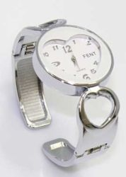 http://www.pyramideauxbijoux.com/bijoux/montres/montre-femme-19.html