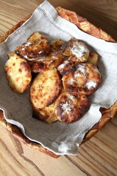 I have my own recipe for Rieska, but I'm going to try this as well Finnish Cuisine, Incredible Edibles, Bread Board, I Love Food, Food Inspiration, Bread Recipes, Food And Drink, Healthy Recipes, Healthy Food
