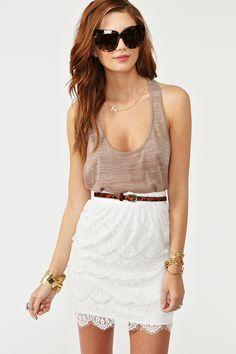 La falda de encaje es bellísima