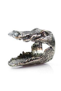 Gator Head Ring by Eye Candy Los Angeles via HauteLook Jewelry Box, Jewelry Rings, Jewelry Accessories, Jewlery, Animal Rings, Costume Jewelry, Rings For Men, Wedding Rings, Skull