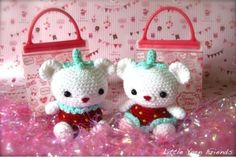 http://littleyarnfriends.com/post/21257619801/crochet-pattern-lil-strawbearries