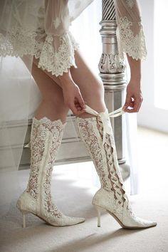 Stoer of vintage deze laarzen van kant? Bold or vintage these lace boots?