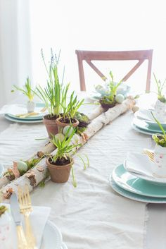 Easy and Unique Easter Table Setting